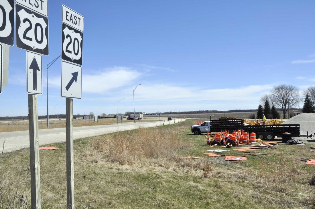 Chain-reaction collision seriously injures 3 in NW Illinois