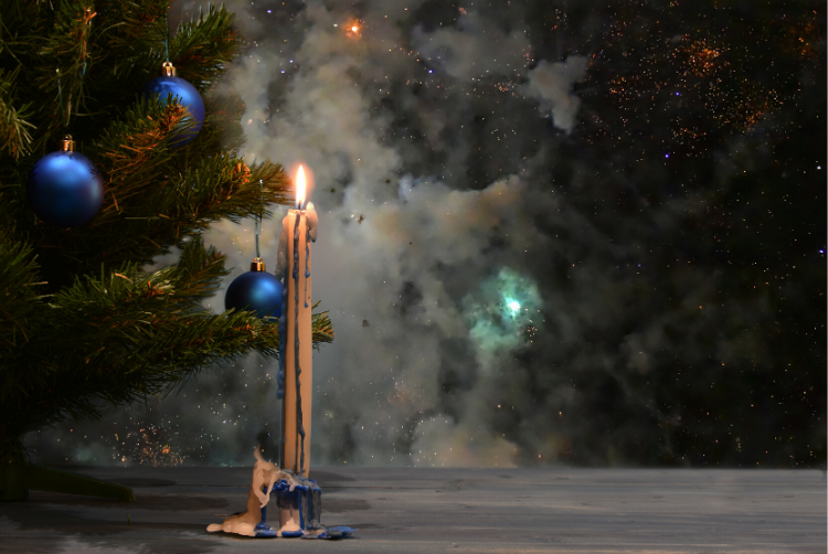Preventing christmas tree fires in home